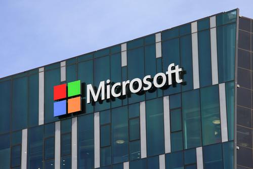 Locul 3 este deținut de Microsoft, cu o valoare de 75,2 mld. dolari.