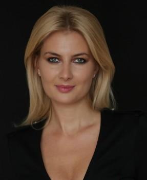 Andreea Comsa Premier