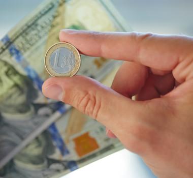 euro-dolar-money-bani-curs-valutar