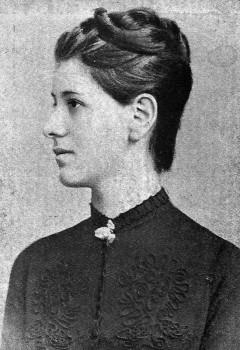 1 scan foto cu Sarmiza din Cartea ei  (1)