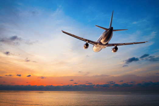 avion_vacanta_aeroport.jpg