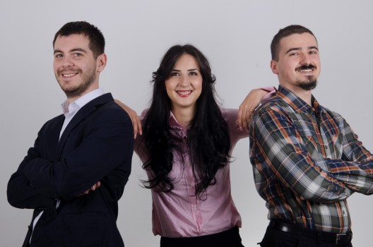 Ionut Cotoi, Cristiana Bogateanu si Constantin Craciun, fondatorii DeviceHub.net